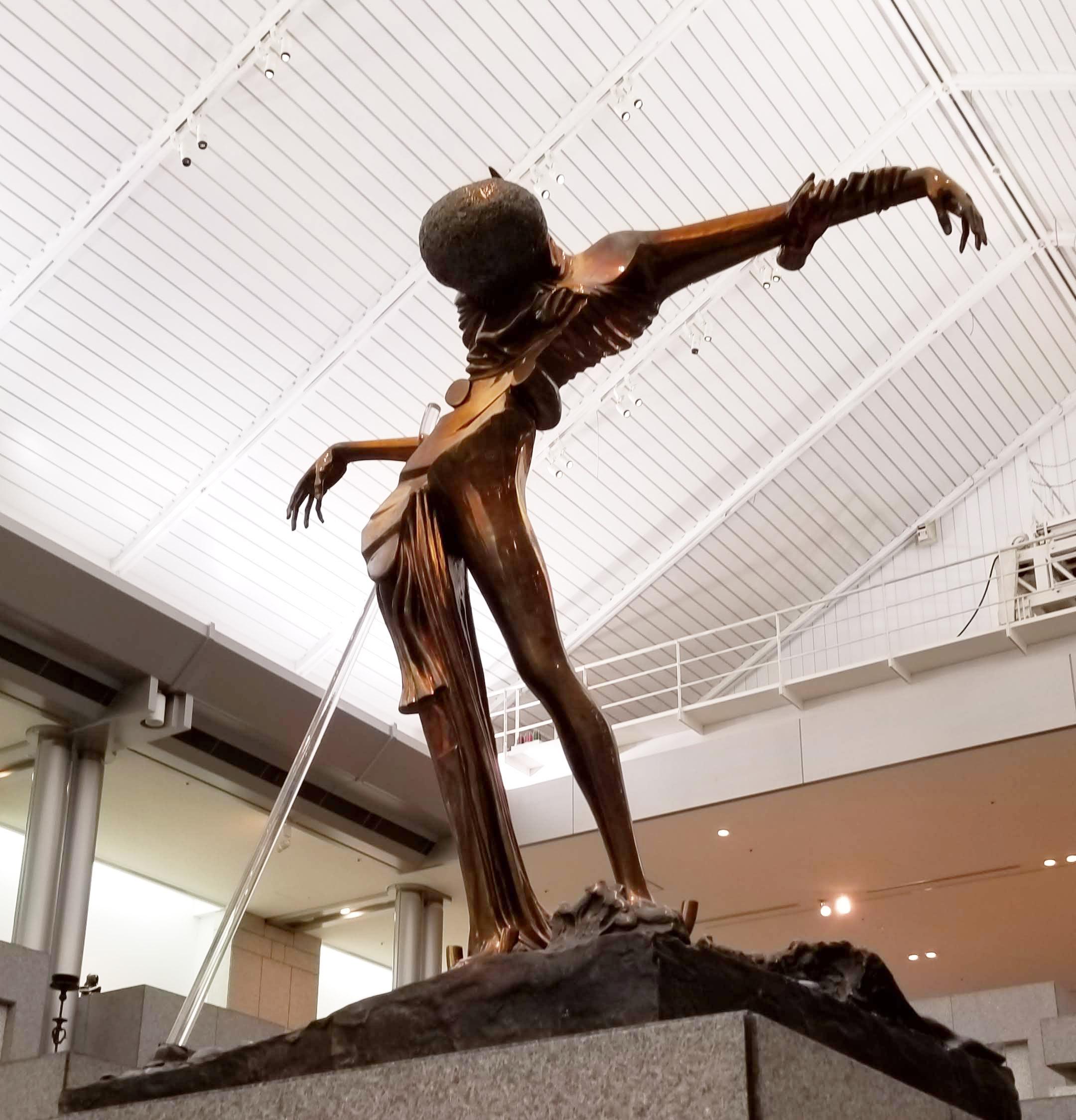横浜美術館でダリの作品に出会う