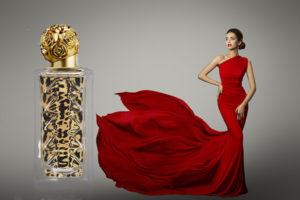 ダリワイルド オードトワレ 赤いドレスの女性
