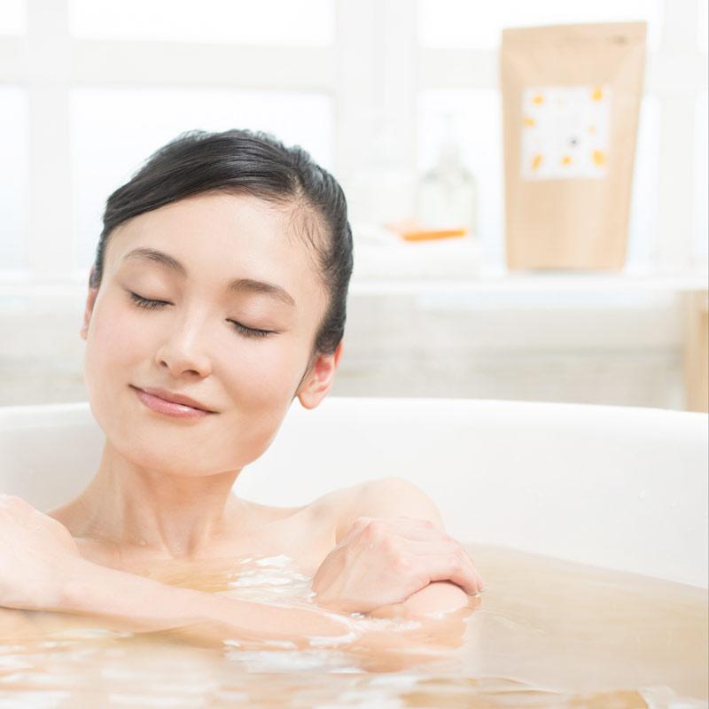 夏こそお風呂にはいって体調アップ!入浴剤の種類と効果・効能